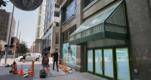 "Almost none of the work underway at the Dayton's Project in downtown Minneapolis is visible to people passing on the street. ""Everything is happening inside the building"" at 700 Nicollet Mall, said Don Kohlenberger, the local representative of the building's majority owner, New York-based 601w Cos. (Staff photo: Bill Klotz)"